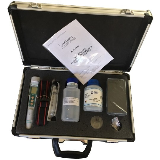 Kit. Bresle fornece todos os materiais e equipamentos necessários para determinar o nível de contaminação de cloreto de superfície.